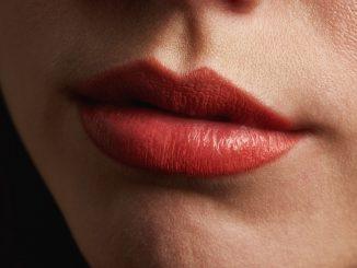 Jakie są sposoby na wydatne usta?